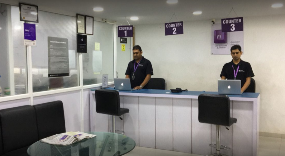 Apple Authorised service center - F1 info solutions, Surat